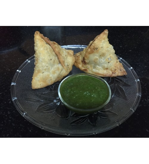 Samosa with Green Chutney